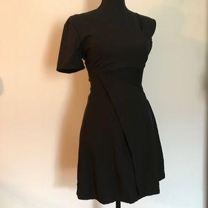 E.S.S.U.E BLACK DRESS